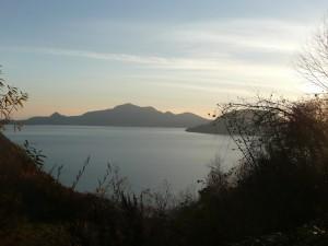 ⑦午後の湖面